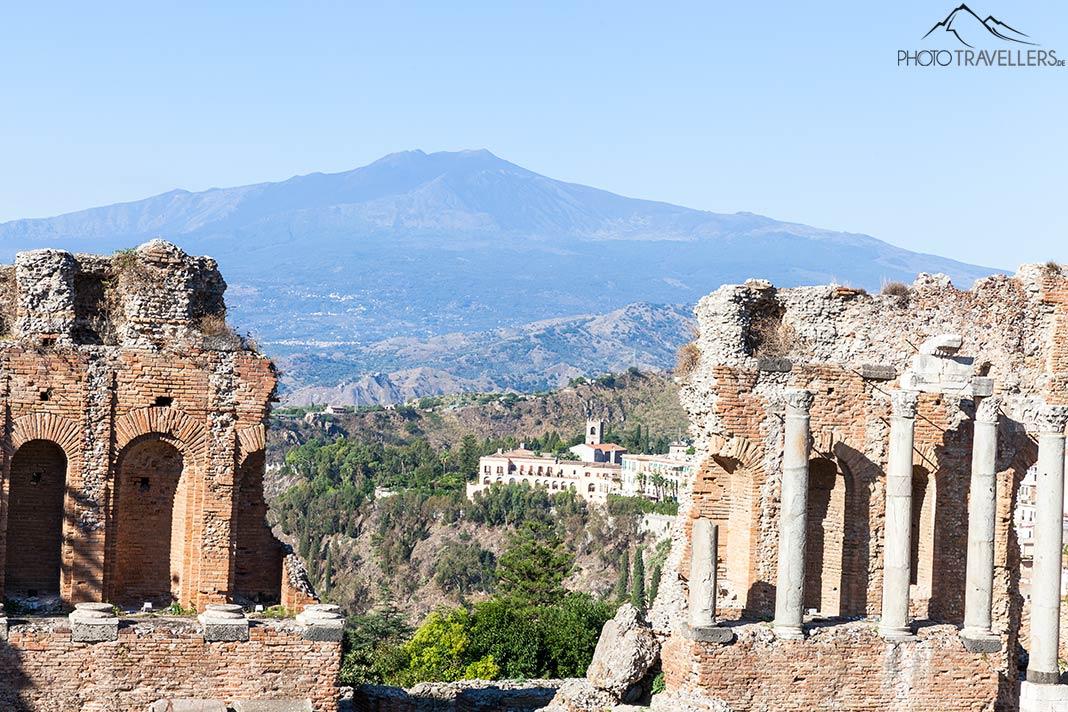 Der Blick von Taormina auf den Ätna