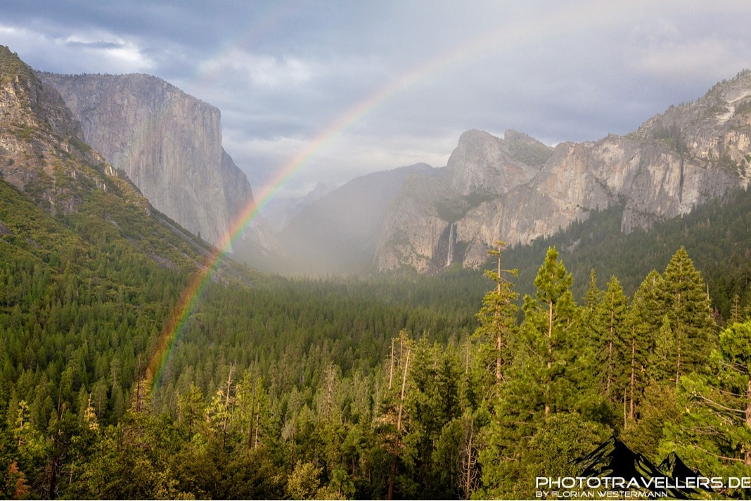Yosemite Valley mit Regenbogen