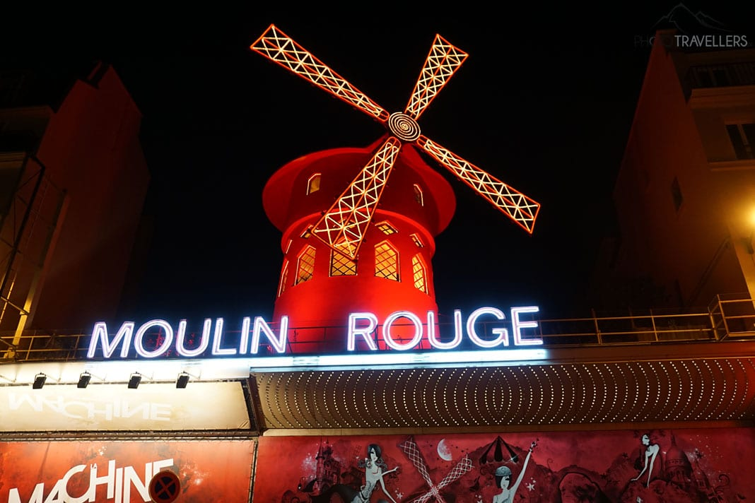 Moulin Rouge in der Nacht