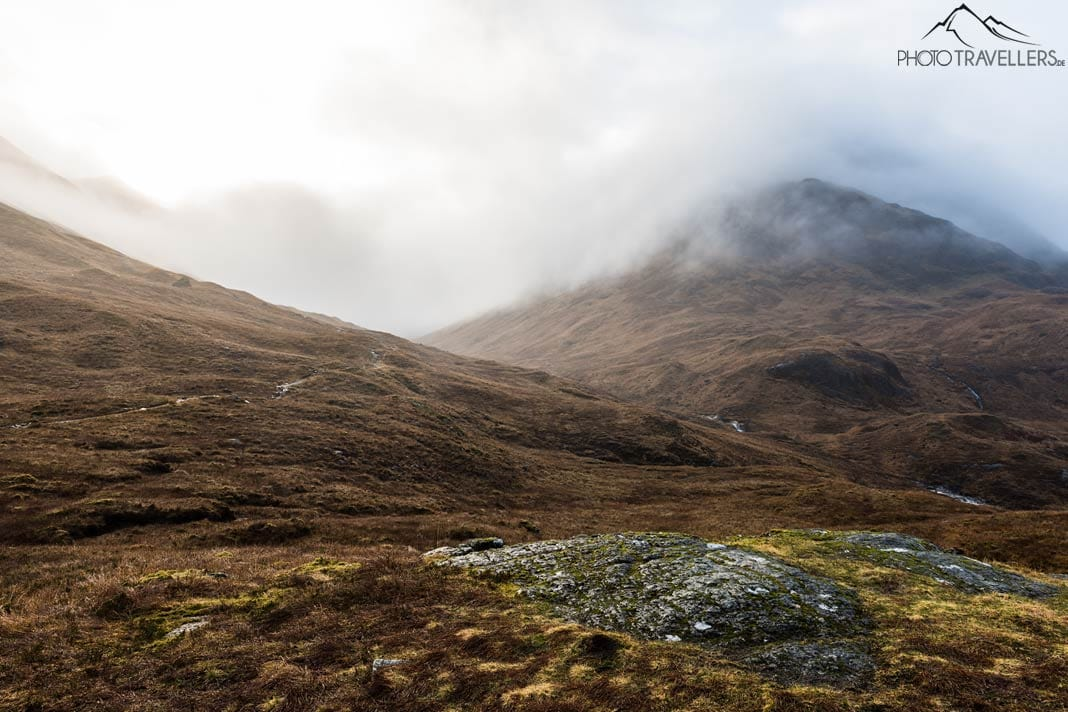 Highlands im Nebel