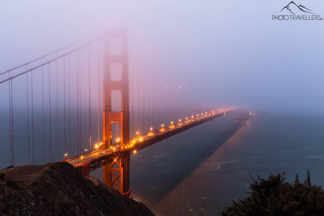 Die Golden Gate Bridge im Nebel