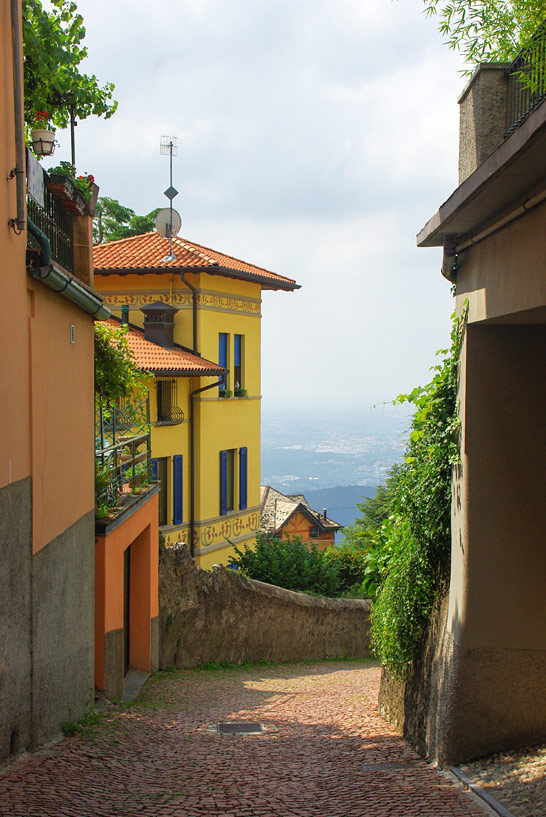 Gasse in Brunata