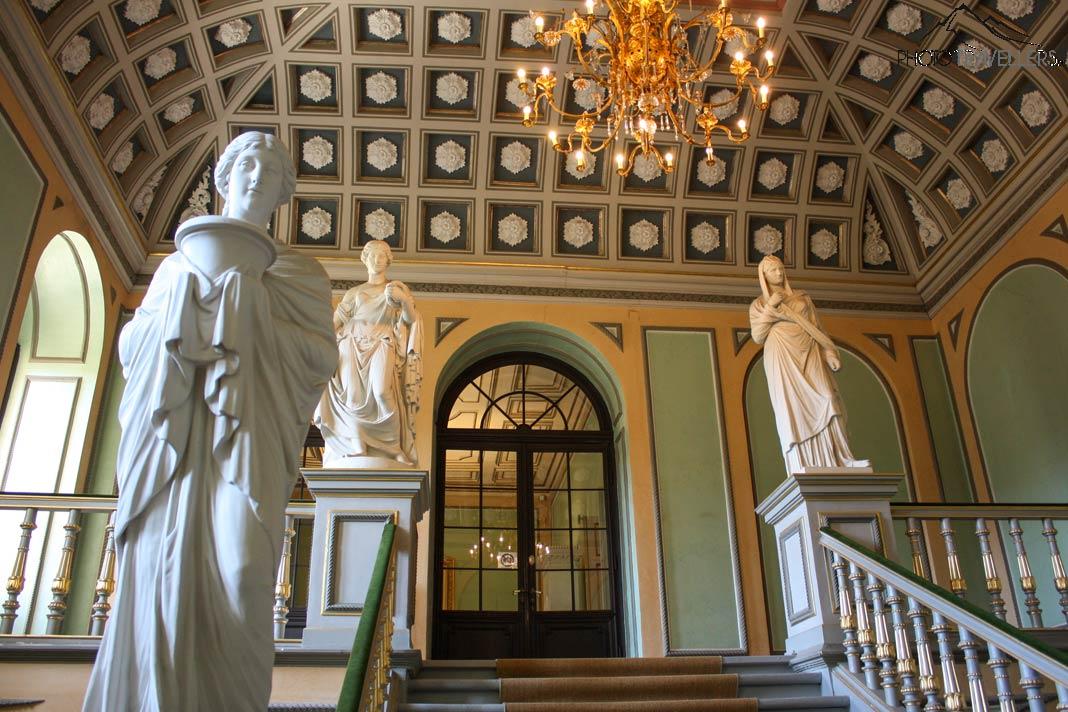 Das Treppenhaus der Ehrenburg