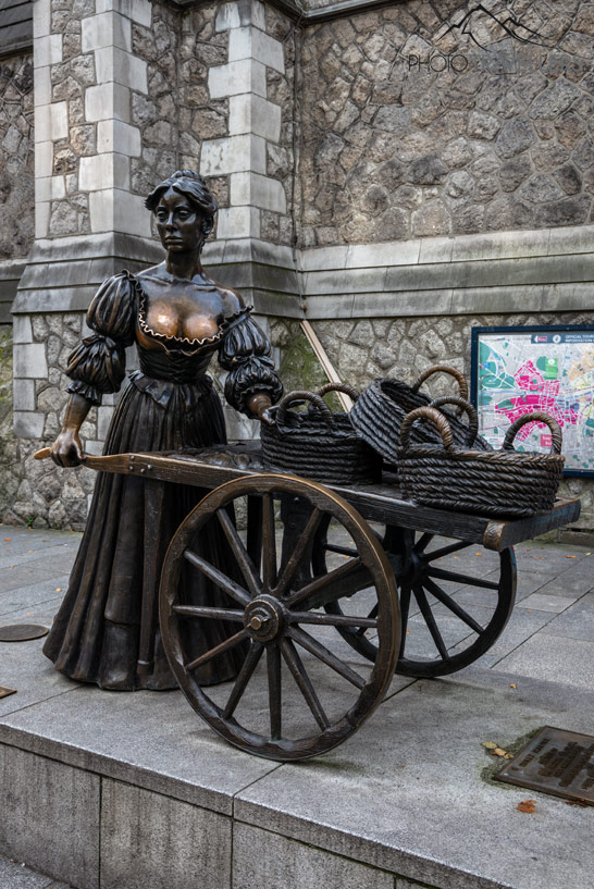Die Molly Malone Statue