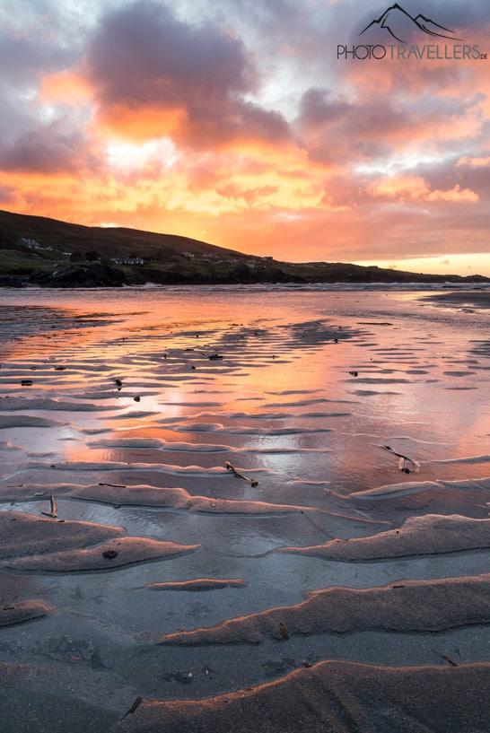 Bearbeitetes Testbild der Canon EOS R mit einem bunten Sonnenuntergang am Strand