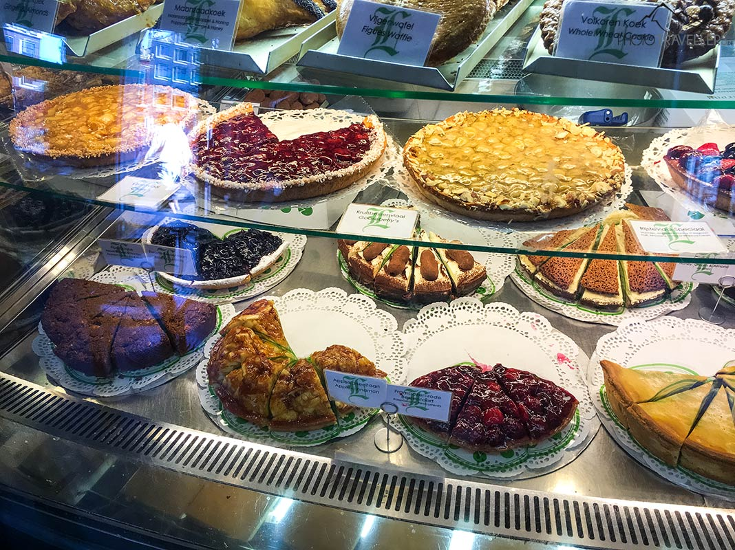 Delicious cakes in the bakery