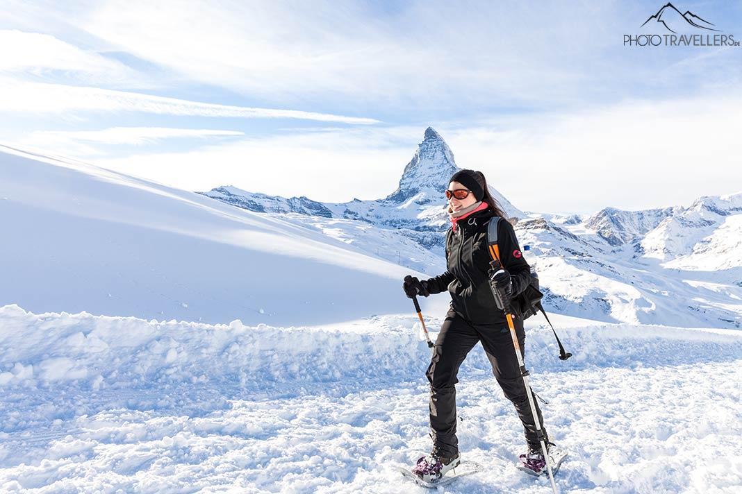 Biggi mit Schneeschuhen am Matterhorn